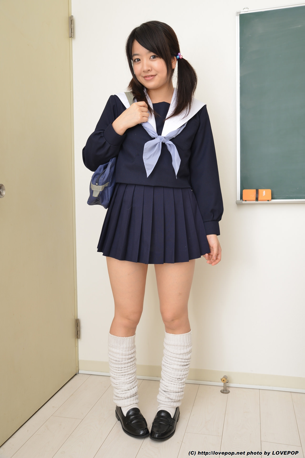 free-mobile-japanese-school-teen-videos-asian-girl-singing-i-will-always-love-you